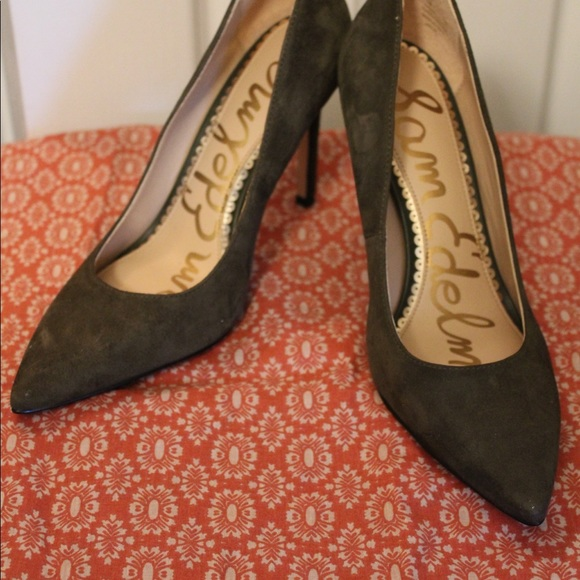 b4f617c42c81 Pointed Toe Stiletto Heel Pump (Hazel) NWOT